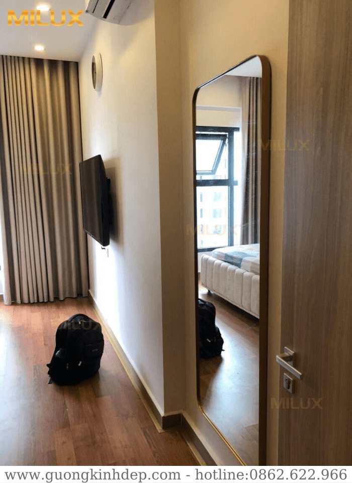 Gương Phòng Ngủ Khung Kim Lại Mạ PVD