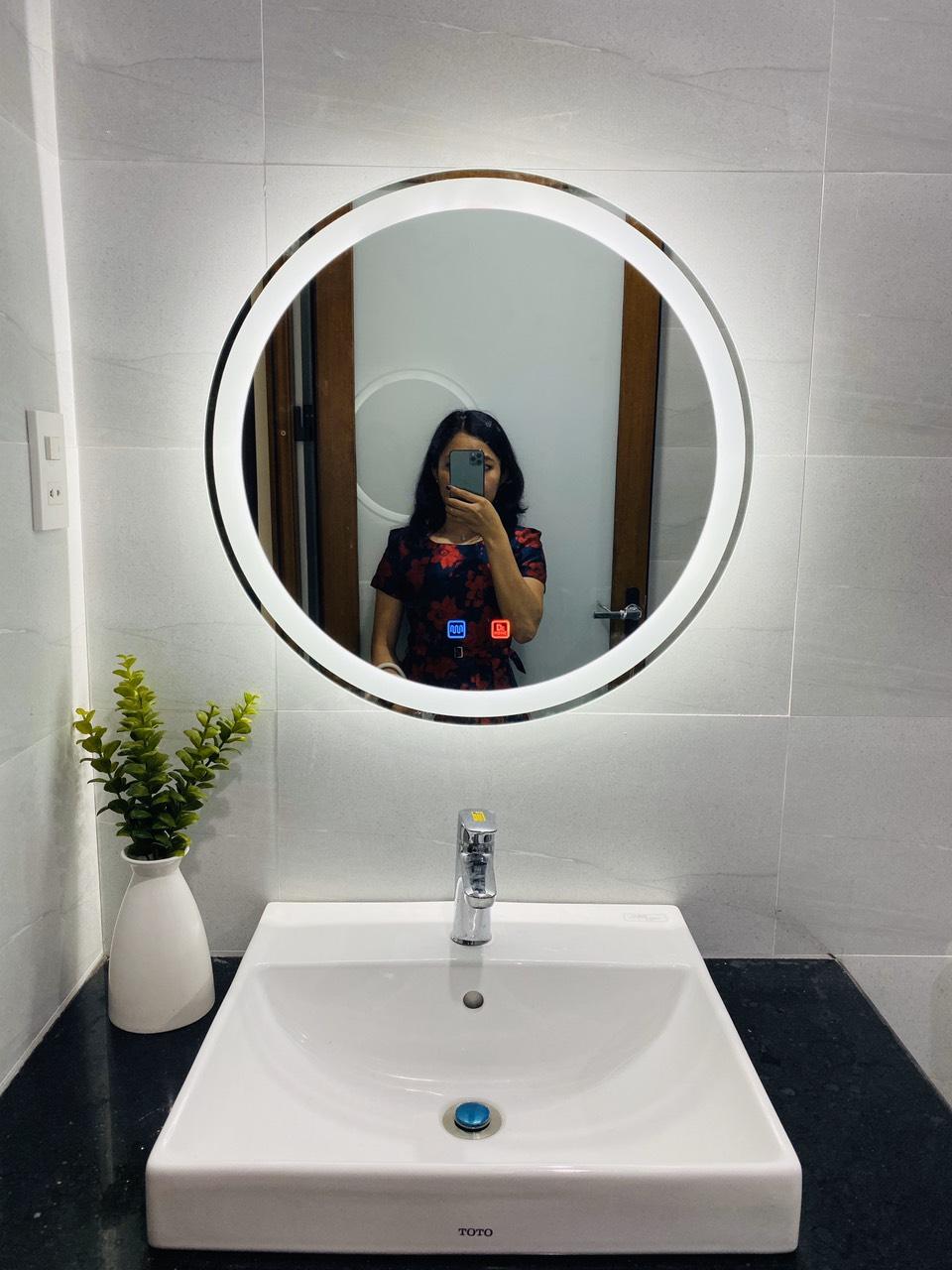 Gương Tròn Phòng Tắm Có Đèn Led Hiện Đại