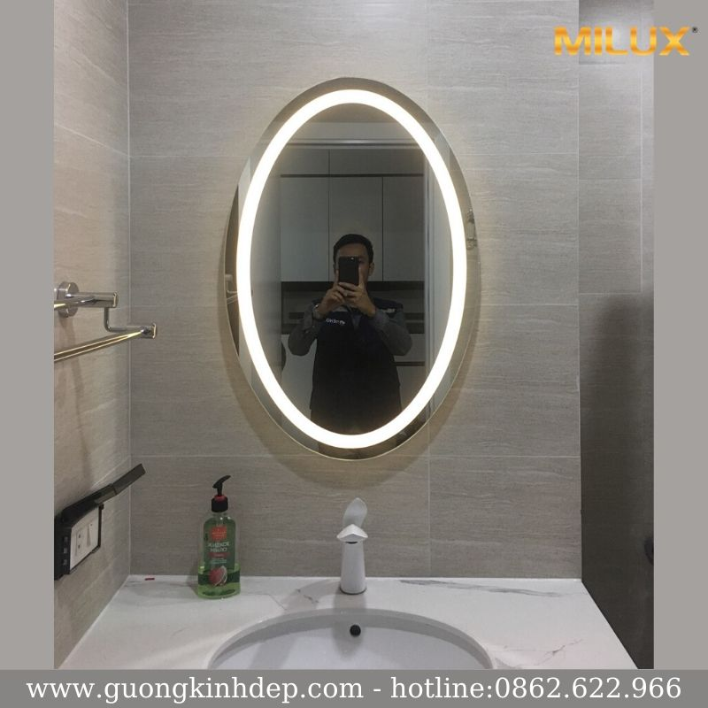 Gương Phòng Tắm Oval Hiện Đại Led Hắt Trong